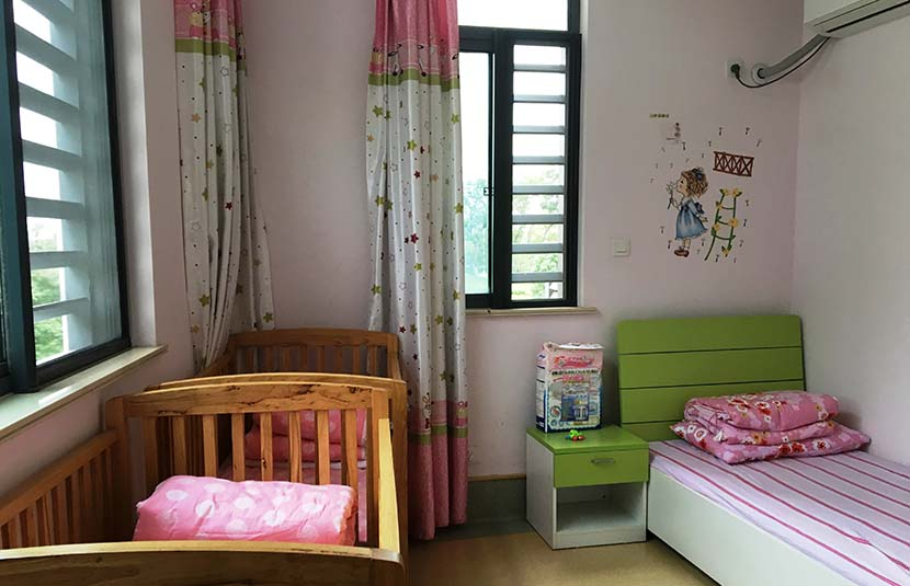The children's bedroom at Li Songlan's 'simulated family' apartment in Suzhou, Jiangsu province, Oct. 31, 2016. Fan Yiying/Sixth Tone