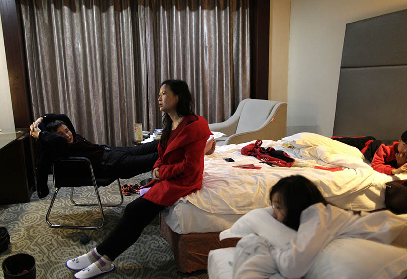 Lin Chunhong at a hotel in Jiangyin, Jiangsu province, March 19, 2016. Lin returned to her birthplace and met her birth parents for the first time at 38 years old. Han Meng/Sixth Tone
