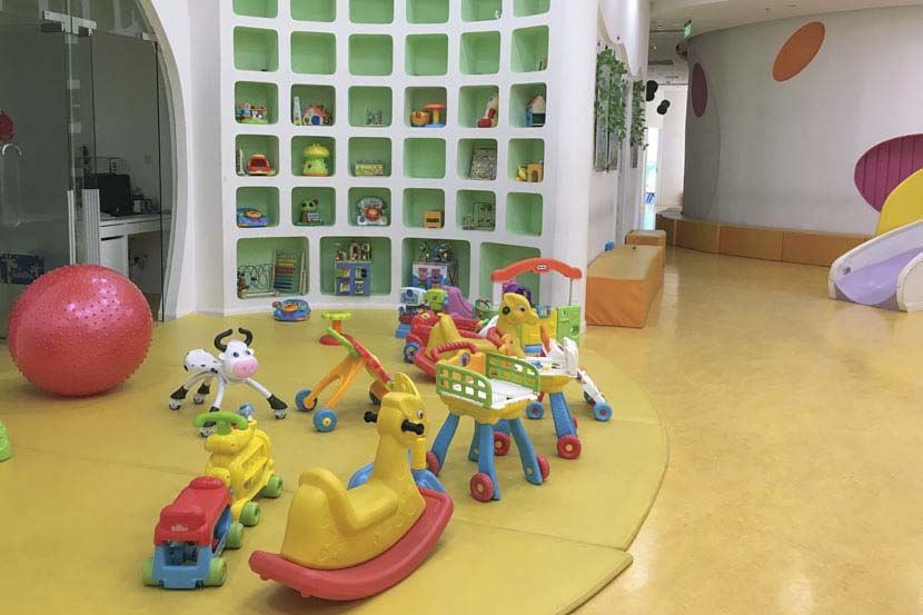 Colorful toys at a day care center in Shanghai, April 24, 2017. Ni Dandan/Sixth Tone