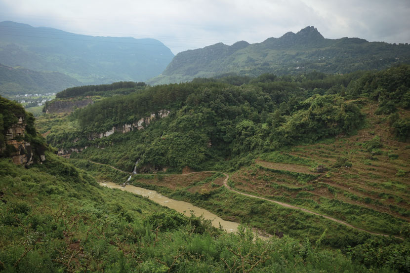 A view of the countryside near Sanqiao Town, Guizhou province, July 2, 2018. Nicole Lim for Sixth Tone