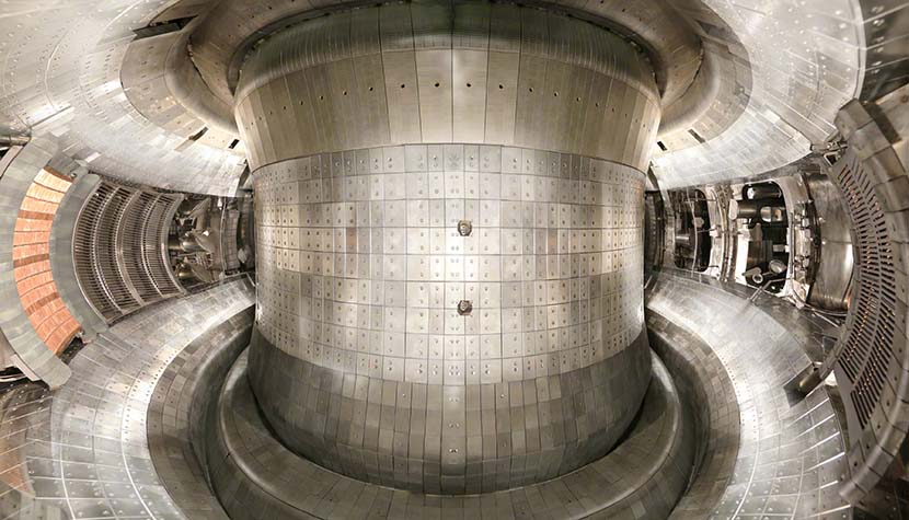 Chinese fusion reactor reaches the correct temperature