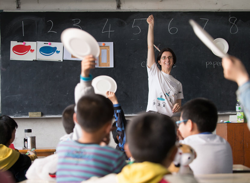 Corinne Richeux Hua teaches at a rural primary school in Jiangsu province, May 2014. Courtesy of Corinne Richeux Hua.