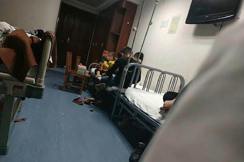 Some of the poisoned children are treated at Jiaozuo No. 2 People's Hospital in Jiaozuo, Henan province, April 1, 2019. The Paper