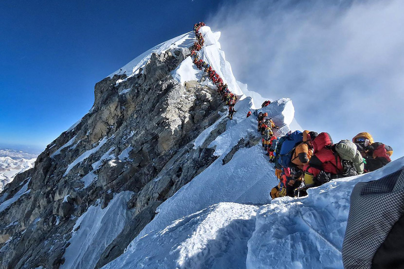 Heavy traffic caused a logjam at the summit of Mount Everest, on the border of China and Nepal, May 22, 2019. Project Possible/VCG