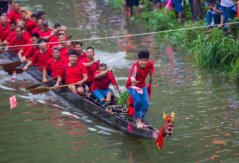 Racers compete ahead of Dragon Boat Festival in Guangzhou, Guangdong province, May 30, 2019. Dong Tianjian/VCG