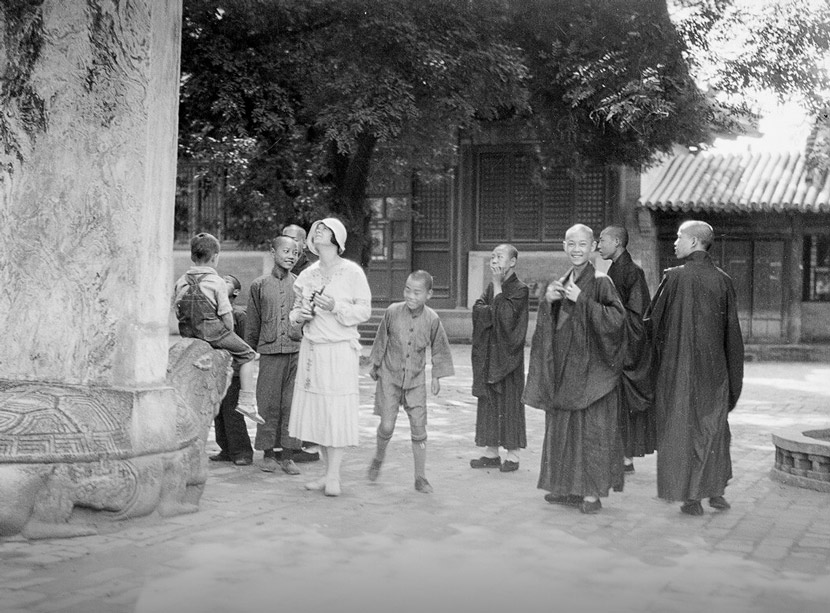 Anne Swann Goodrich visits a temple, circa 1931, Beijing. Courtesy of the Sidney D. Gamble Photographs Collection at Duke University Library