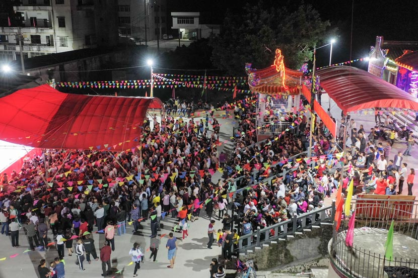 A general view of the stage at a local temple in Haifeng County, Guangdong province, Nov. 14, 2018. Courtesy of Yu Zefeng