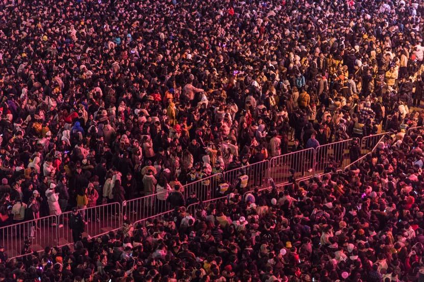 Revelers celebrate the New Year at scenic West Lake in Hangzhou, Zhejiang province, Dec. 31, 2019. Zheng Haipeng/Rayfoto