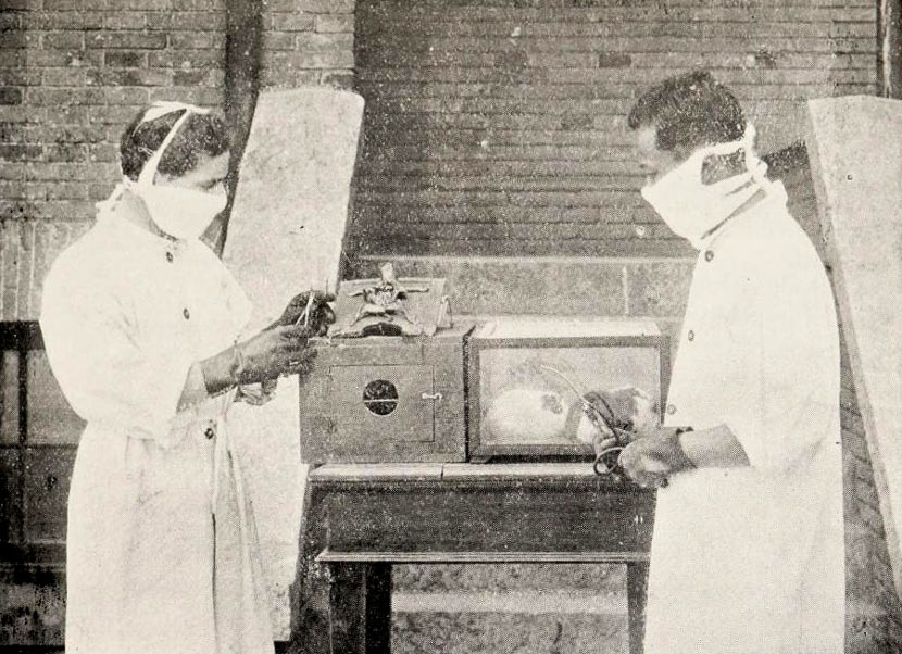 Dr. Wu Lien-teh (right) and F. Eberson perform plague inhalation experiments in Mukden, modern-day Shenyang, Liaoning province, 1916. From CRASSH/University of Cambridge