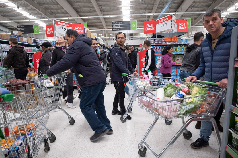 The COVID-19 pandemic leads to a rush on shops in London, March 15, 2020. Han Yan/Xinhua