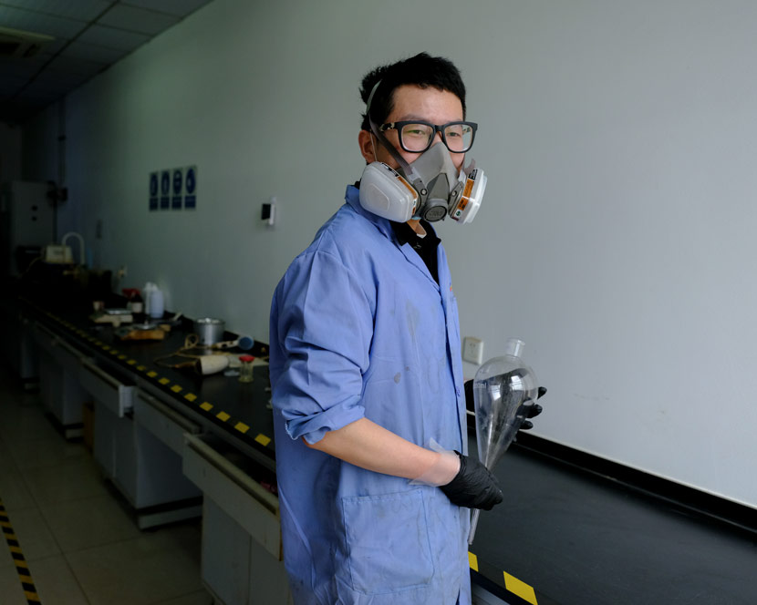 "Zhu Kai, an employee of Sunshine Optoelectronics, poses for a photo at Wuhan's ""Optics Valley,"" Hubei province, April 13, 2020. Shi Yangkun/Sixth Tone"