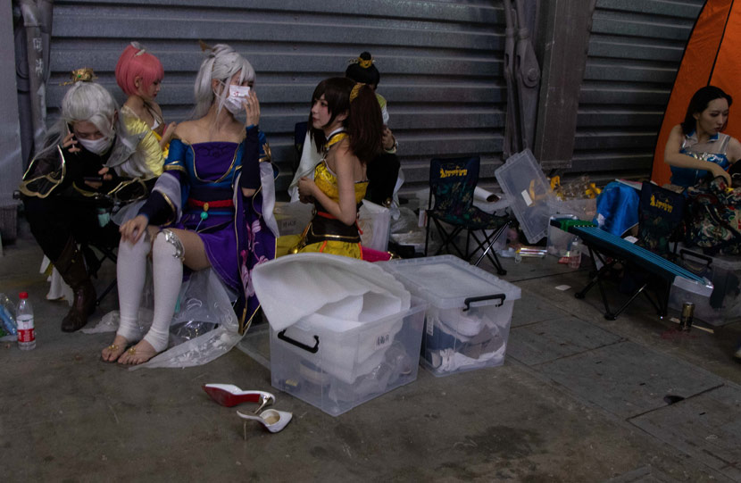 Cosplayers take a break during this year's China Digital Entertainment Expo and Conference (ChinaJoy) in Shanghai, July 31, 2020. Kenrick Davis/Sixth Tone