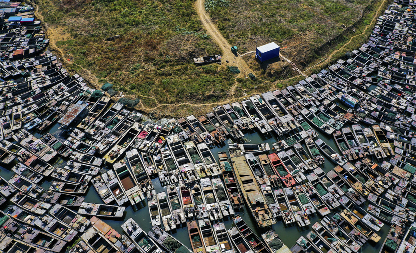 An aerial view of fishing boats moored in Sihong County, Jiangsu province, Oct. 9, 2020. In order to protect the ecosystem of Hongze Lake, Sihong County officials have announced a ban on fishing in the area from Oct. 10. Zhang Lianhua/People Visual