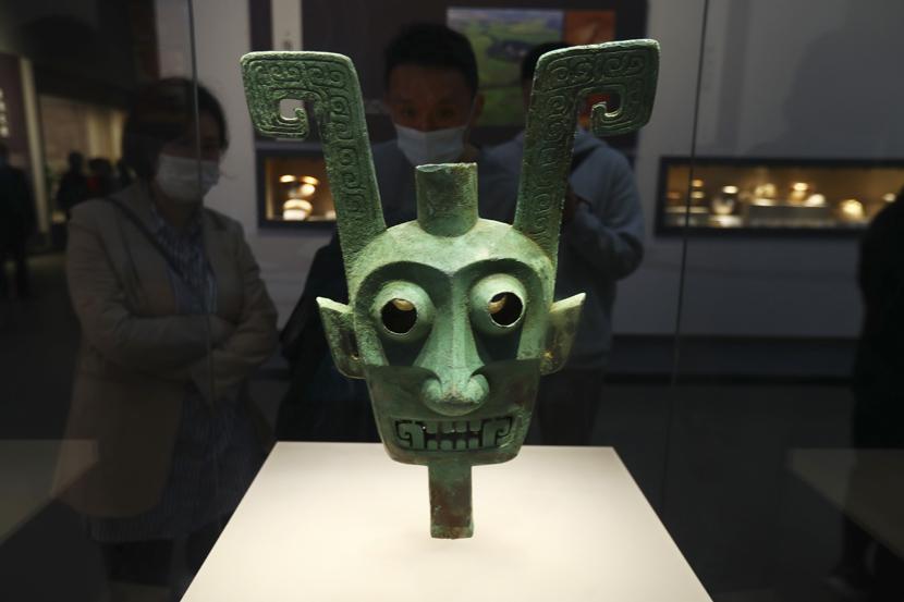 A bronze statue is displayed at Jiangxi Provincial Museum in Nanchang, Jiangxi province, Oct. 8, 2020. Liu Zhankun/CNS/People Visual