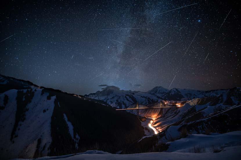 A meteor shower is captured in Ili Kazak Autonomous Prefecture, Xinjiang Uyghur Autonomous Region, Dec. 12, 2020. People Visual