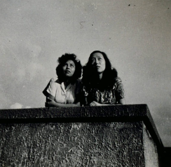 A photo of Eileen Chang (left) and her friend Ying Yan, from the Ailing Zhang (Eileen Chang) Papers. From University of Southern California, East Asian Library