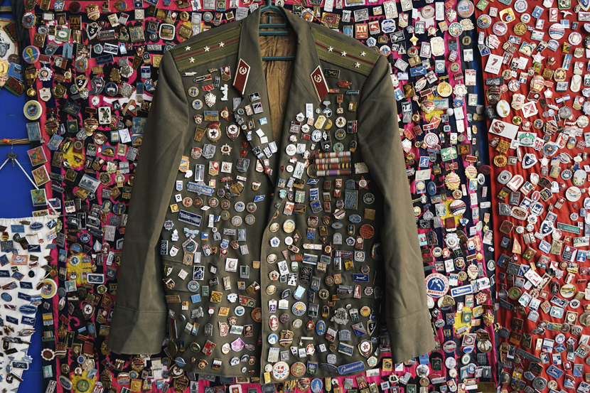 A Soviet military uniform covered in badges, Oct. 6, 2017. Courtesy of Liu Zichao