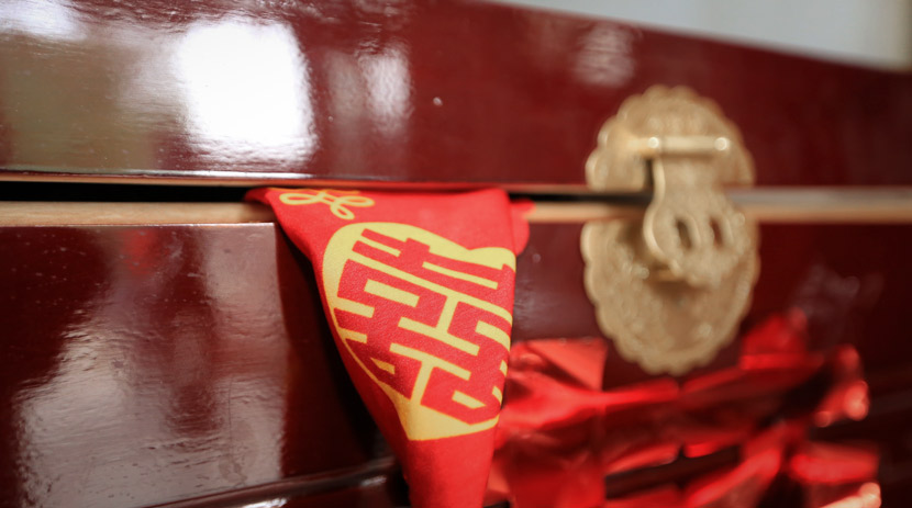 Wedding supplies on display in rural Tengzhou, Shandong province, 2018. IC