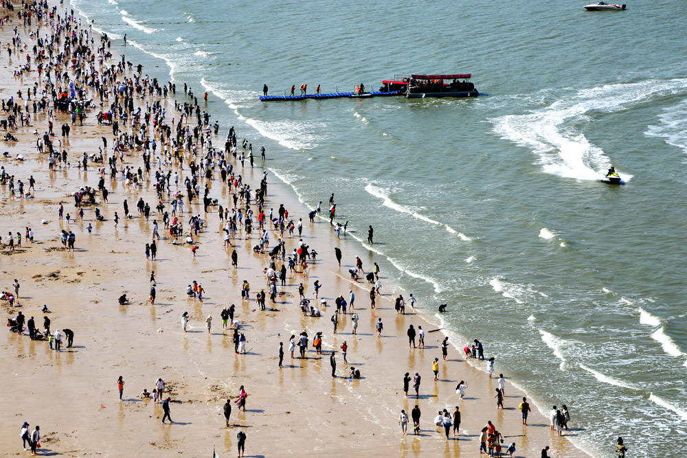 An aerial view of a beach in Lianyungang, Jiangsu province, May 2, 2021. Wang Chun/People Visual