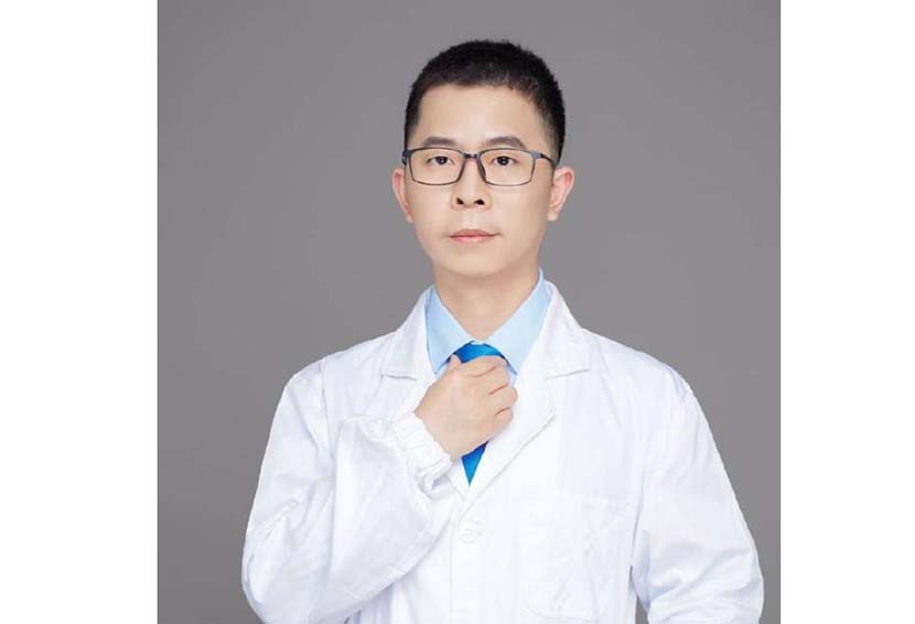 A portrait of dermatologist Lin Xiaoqing, from his Weibo account.