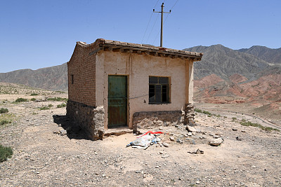An exterior view of a mountain shack where some participants in the Yellow River Shilin 100km Cross-Country Race took shelter from extreme weather that claimed the lives of 21 of their fellow runners, Jingtai County, Gansu province, May 24, 2021. Xinhua