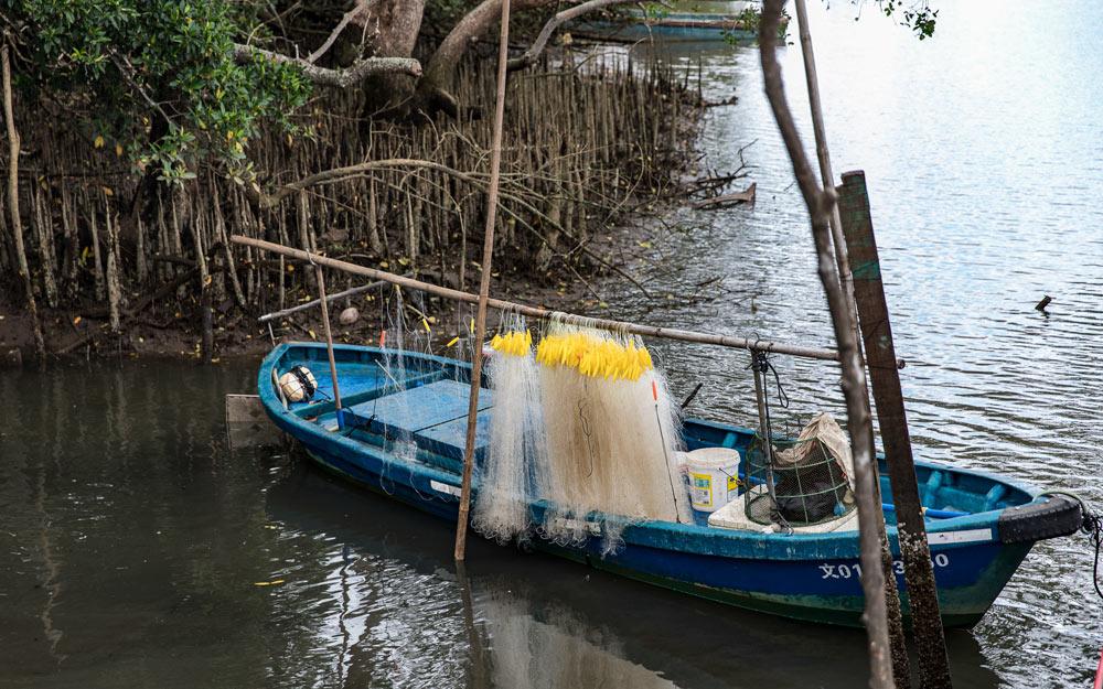 A boat on Bamen Bay in Wenchang, Hainan province, Nov. 19, 2020. Courtesy of Chen Mingzhi
