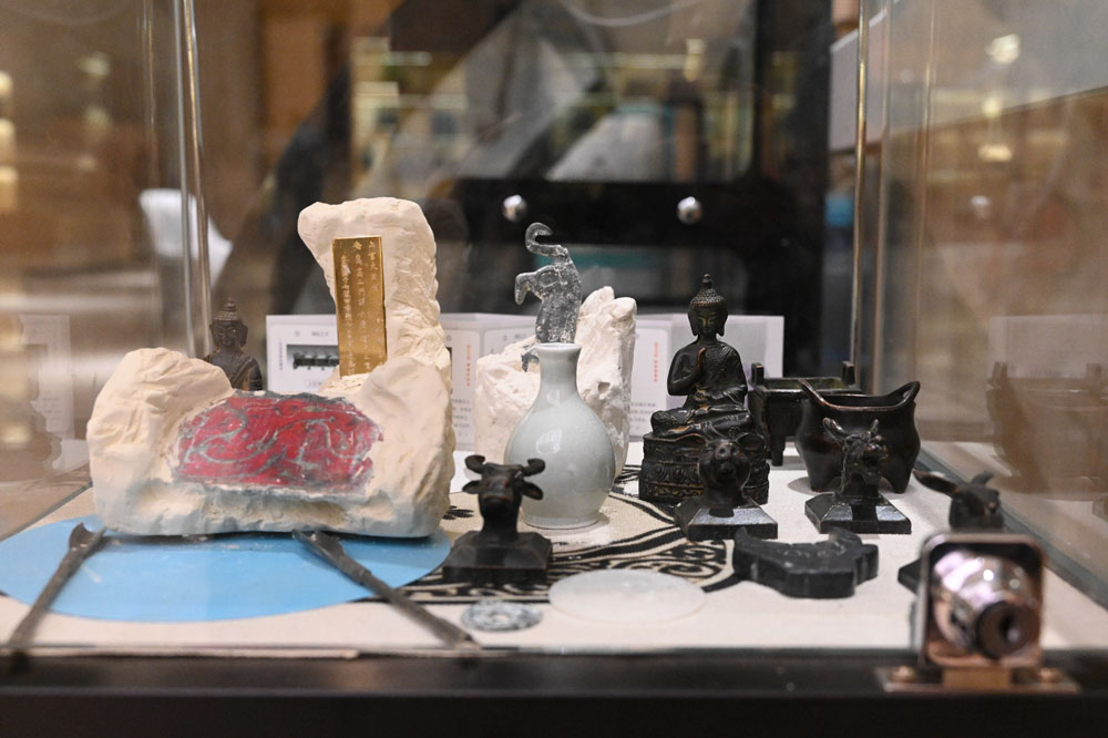 Souvenirs on display at the Henan Museum, Zhengzhou, Henan province, March 2021. IC