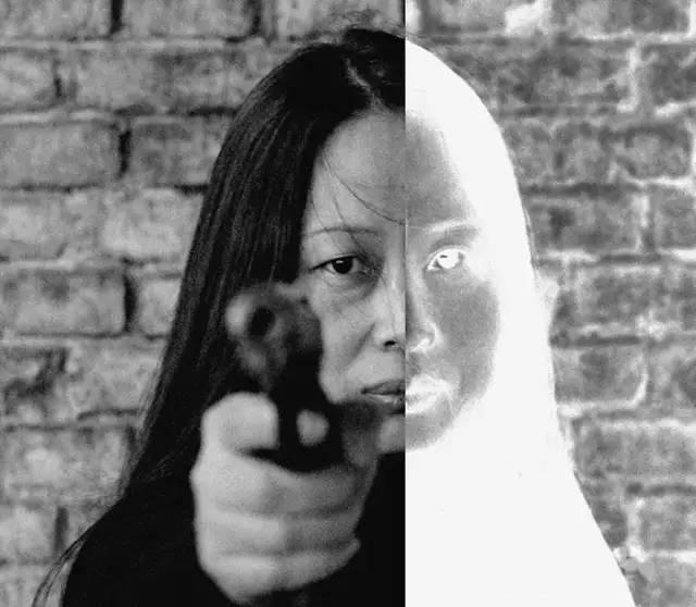 A Xiao Lu piece from 2003. From Art-Ba-Ba