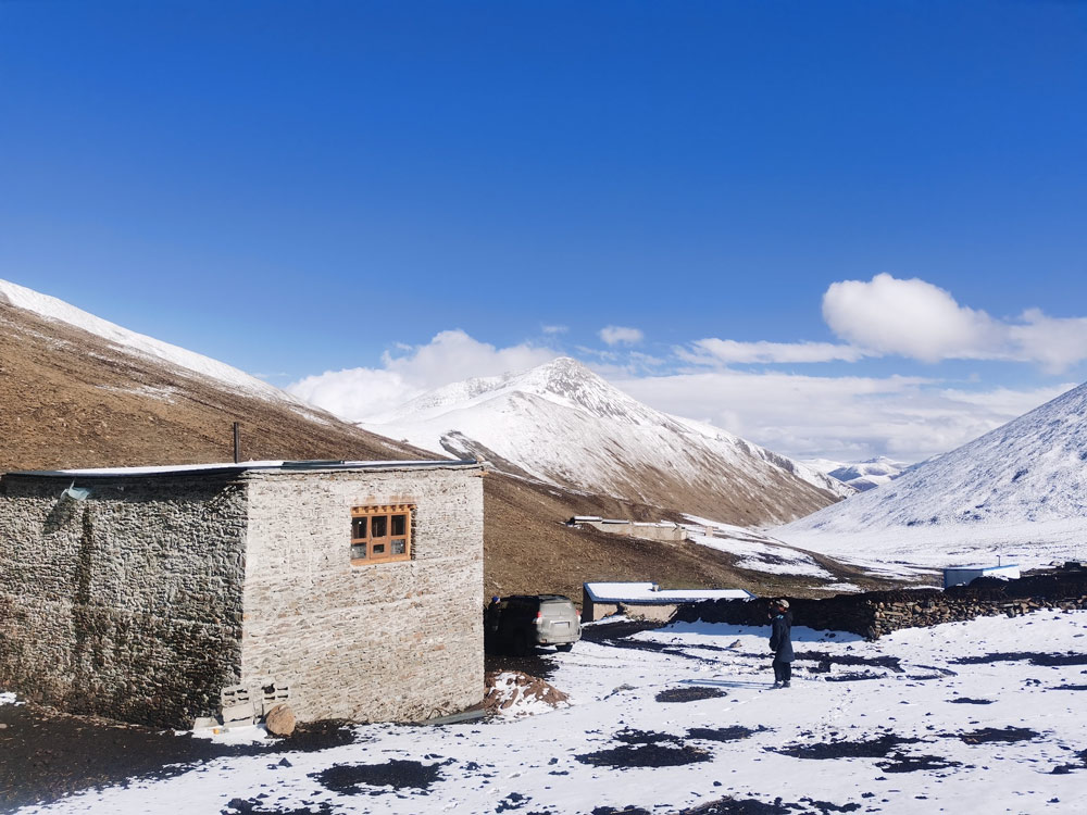 """An exterior view of an experimental """"bear-proof house"""" in Ganda Village, Qinghai province. Courtesy of Snowland Great Rivers Environmental Protection Association"""