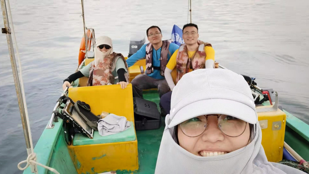 Sun Jing (front), her classmate (in sunglasses), Wei Wei (in blue) and Chen Bingyao on their research trip, Aug. 25, 2021. Courtesy of the interviewees