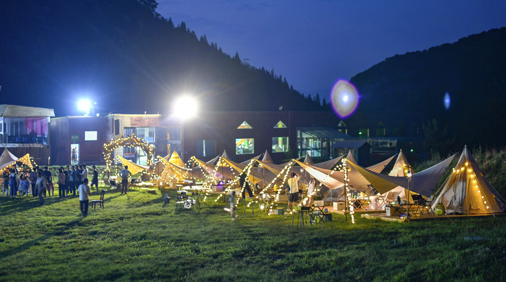 Night view of a camping site in Jinan, Shandong province, July 2021. Yi Chu/IC