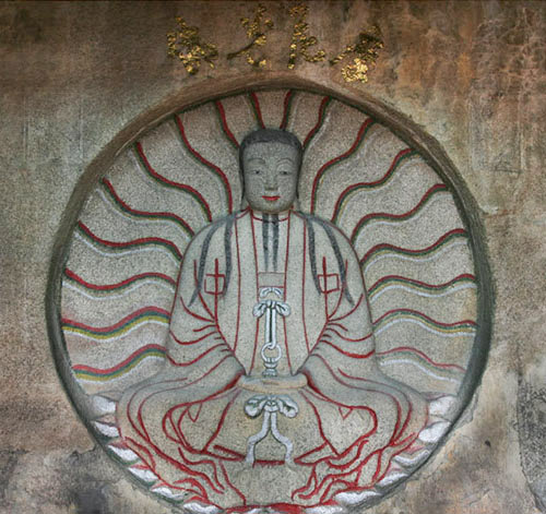 The carving of the Radiant Buddha Mani in Cao'an Temple, Quanzhou, Fujian province. Xinhua