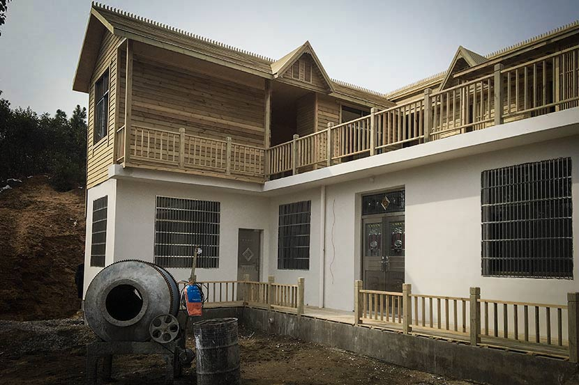 A view of a newly renovated cottage bought by a couple, who are both doctors, in Hanzishan Village, on the outskirts of Wuhan, Hubei province, Feb. 7, 2018. Fan Yiying/Sixth Tone