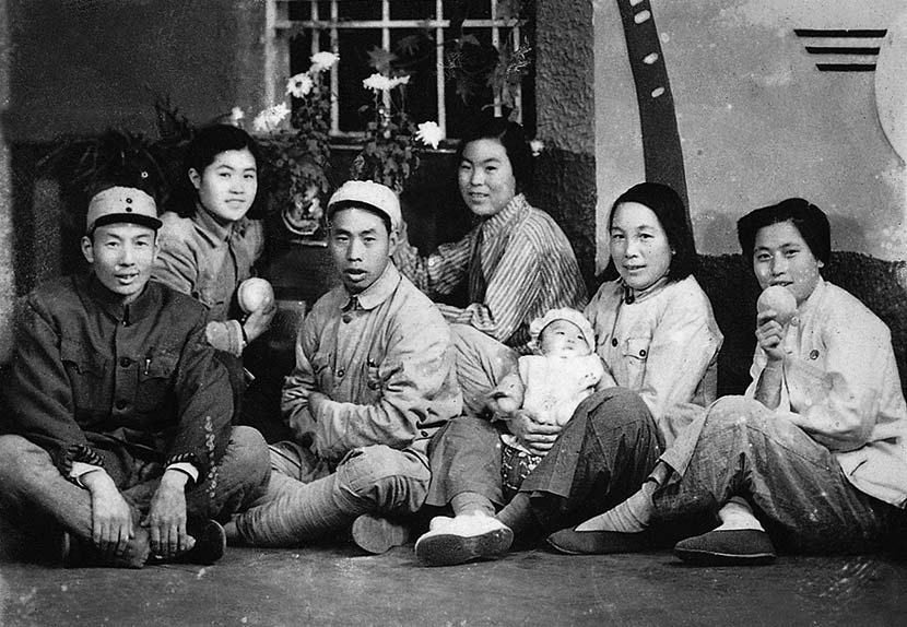 Yuan Xiqin (third from right) poses for a photo with her colleagues in Jinan, Shandong province, 1949. Courtesy of 'Old Photos'